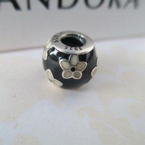 Pandora Mystic Flower, Black White Enamel  ALE